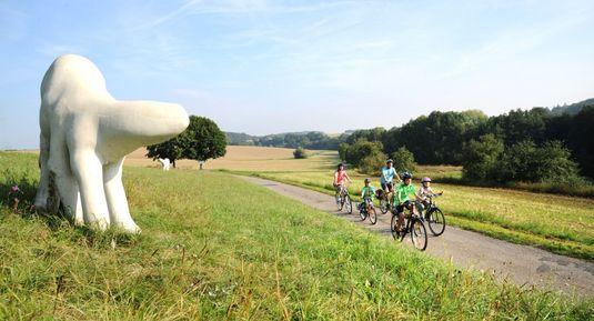 Der Skulpturen-Radweg ist eine einmalige Radtour die Fahrrad fahren und Kunst verbindet