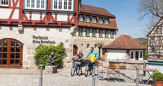 Radfahrer im Städtle Vellberg (Foto: Michael Schultz)